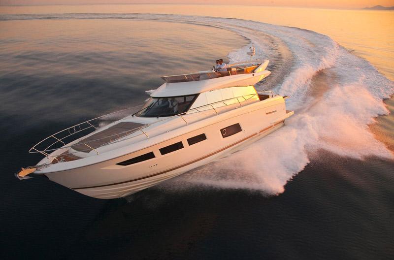 transport convoyage-bateau-corse-porto-pollo-bartoli-marine